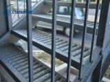 лестничные ступени из профилированных решеток